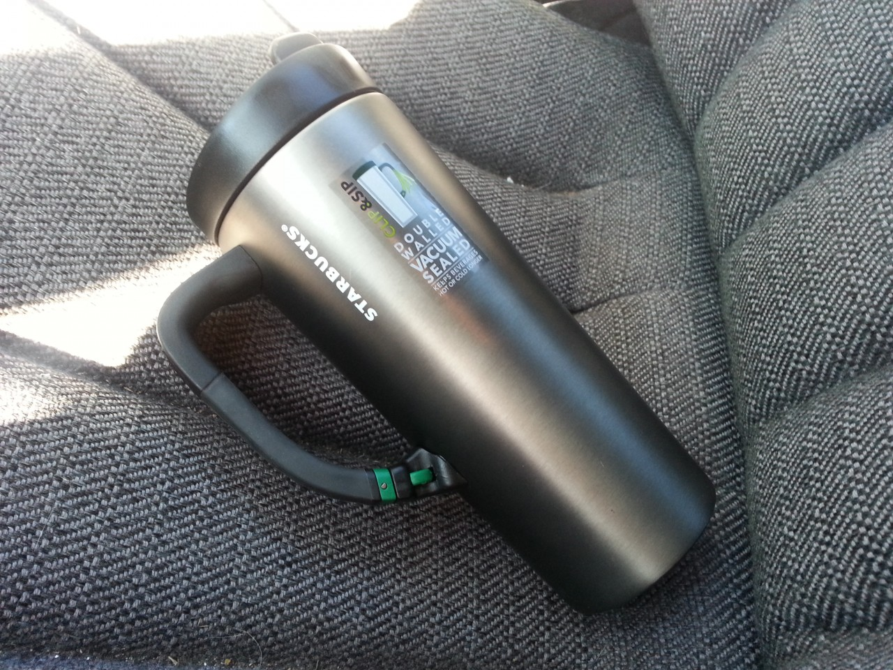 Starbuck travel mug Click and Sip